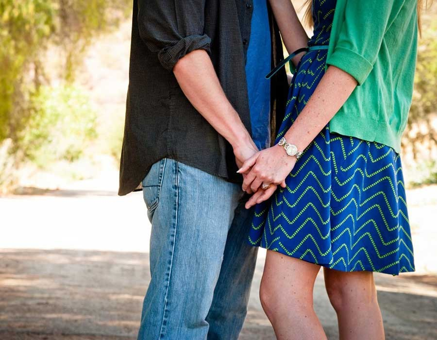 رجال يحكون كيف نجحت زوجاتهم في مداعبتهم قبل العلاقة الحميمة