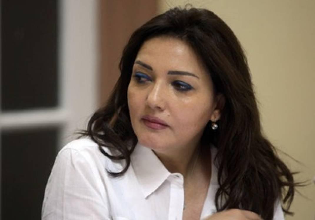 """جميلة اسماعيل """"من أجل مصر"""" تدعو والد أحمد مالك لرحلة إلى الصحراء"""