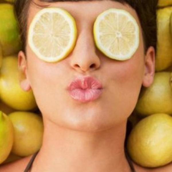 الليمون لبشرة أفتح