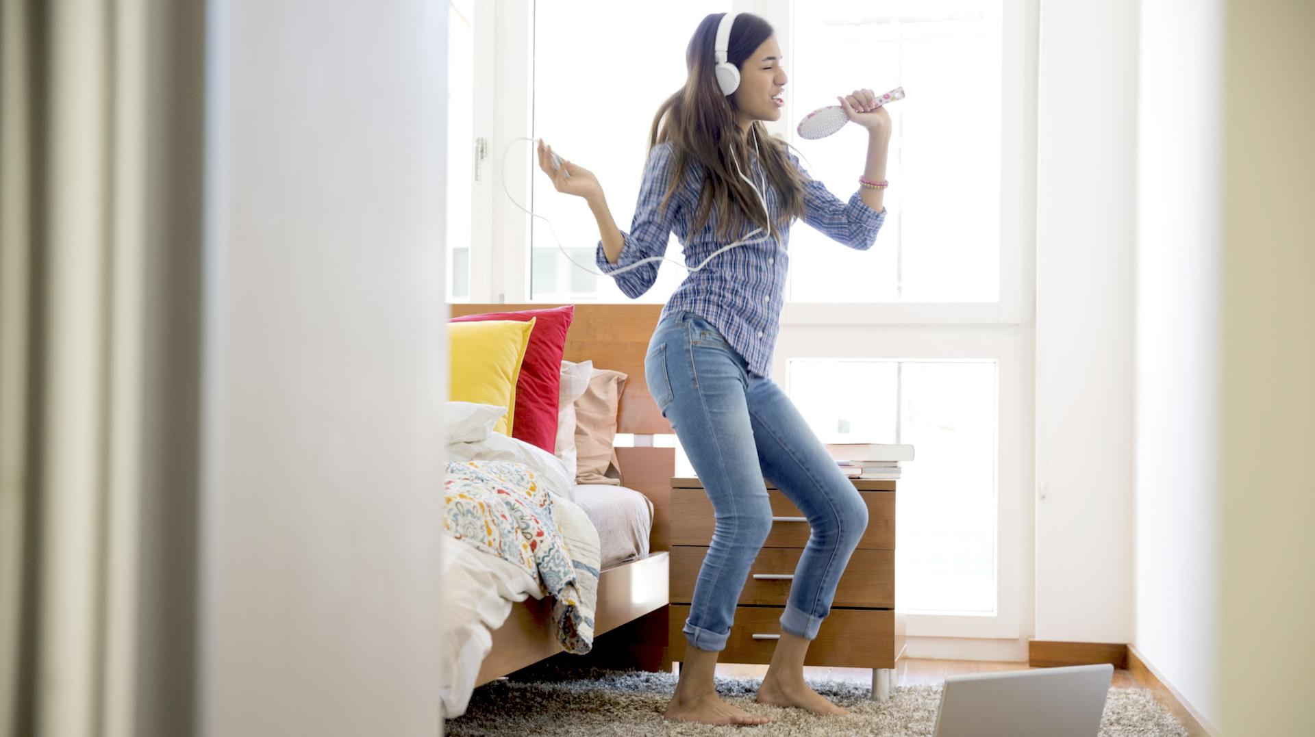 10 عادات تكتسب من العيش بمفردك