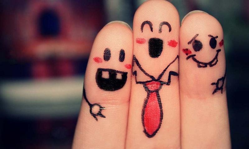 الأصدقاء الحقيقين بنعرفهم إزاي؟.. 10 حاجات هيقولوا لك