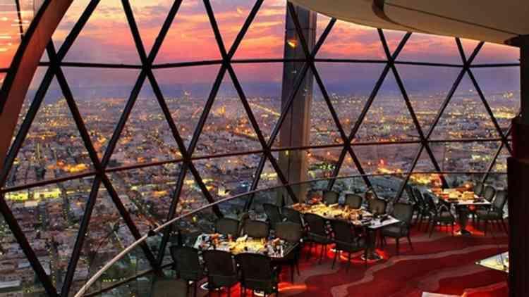 أفضل مطاعم الرياض للزوار وأهل البلد في المملكة