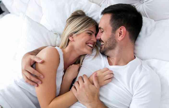 أفضل نصائح يمكن أن تعرفها لعلاقة حميمة لا تنسى
