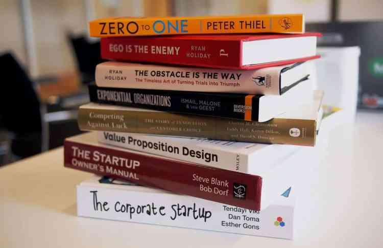 أفضل 10 كتب لريادة الأعمال لقيادة مشروعك بنجاح