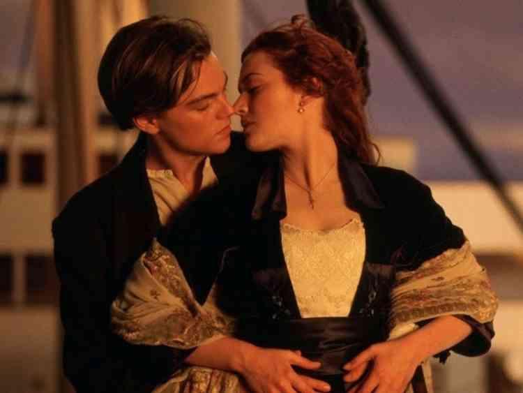 أنواع القبلات ومعنى كل قبلة في العلاقة العاطفية