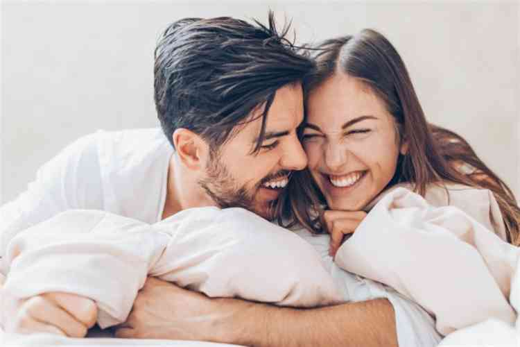 أهمة القبلة الأولى للمرأة و5 نصائح ذهبية  لقبلة مثالية