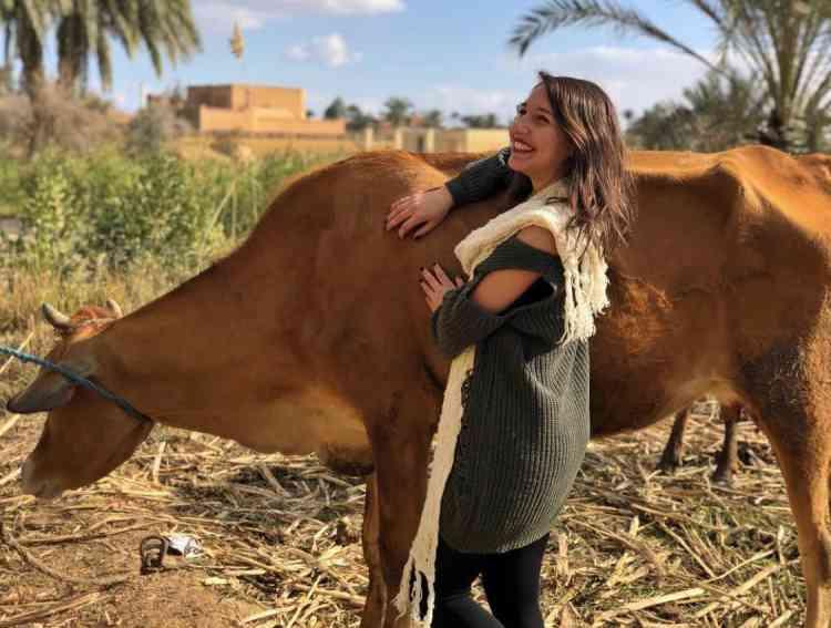 حب زينة حلمي للحيوانات قادها لتأسيس ARA للتوعية بحقهم