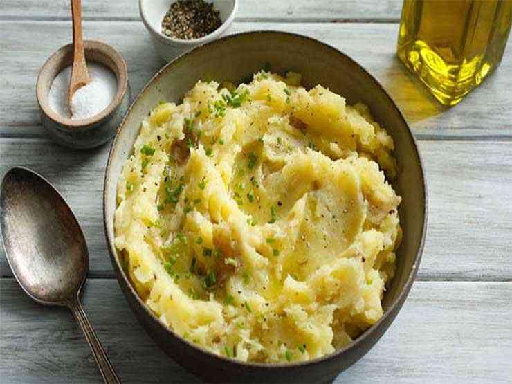 طريقة عمل البطاطس المسلوقة بوصفات شهية