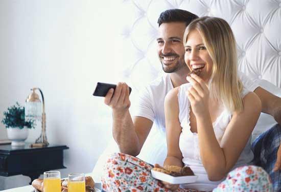 فوائد ممارسة العلاقة الحميمة في الصباح