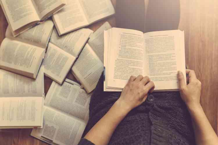 كيفية تعلم القراءة السريعة للنجاح العلمي والمهني