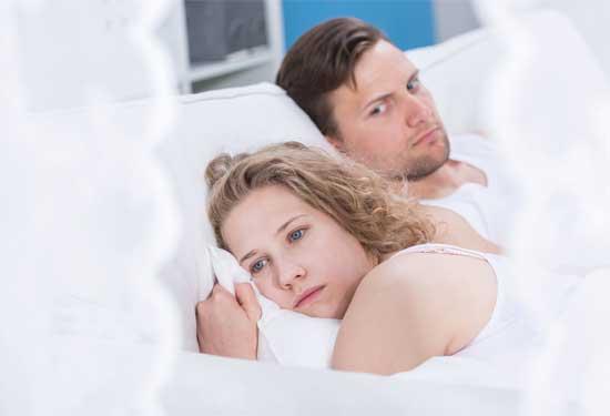 كيف تتجاوزين الشعور بالخجل في العلاقة الحميمة