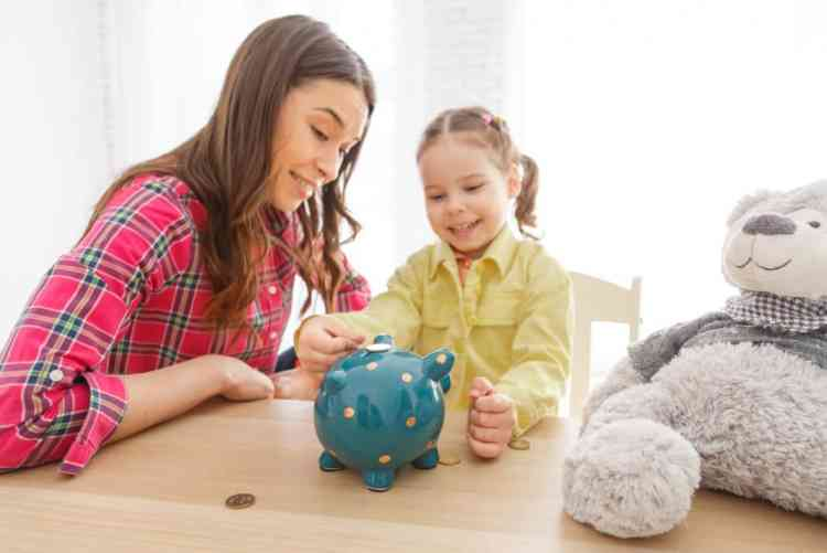 كيف تعلم أطفالك المسئولية المالية وتُشجعهم عليها