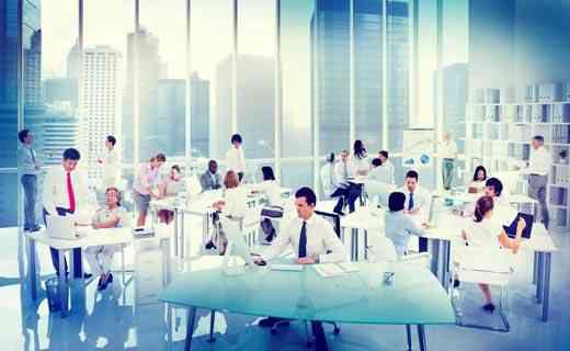 ما هي خصائص بيئة العمل لتحقق أهداف الشركات