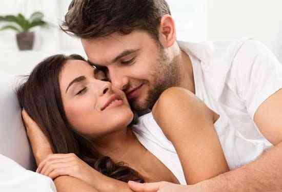 مداعبات تستمتع بها المرأة في العلاقة الحميمة