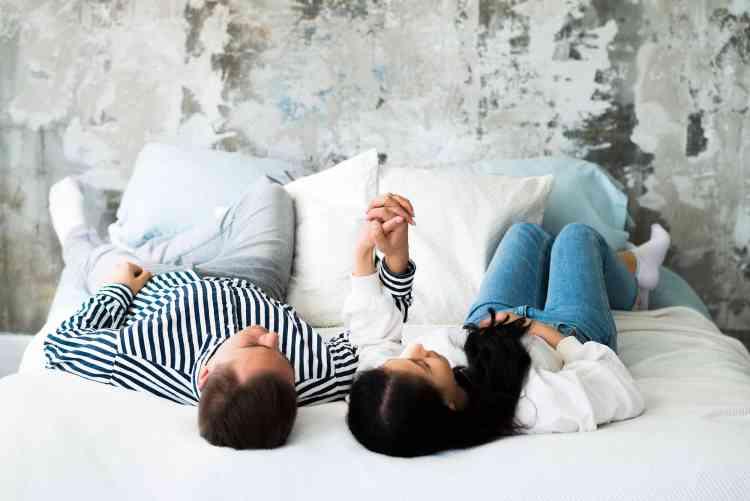 مواقف محرجة يمكن أن تتعرض لها خلال العلاقة الحميمة
