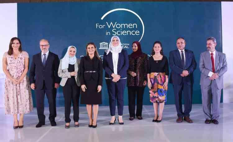 3 باحثات مصريات يفزن بجائزة برنامج لوريال-يونيسكو