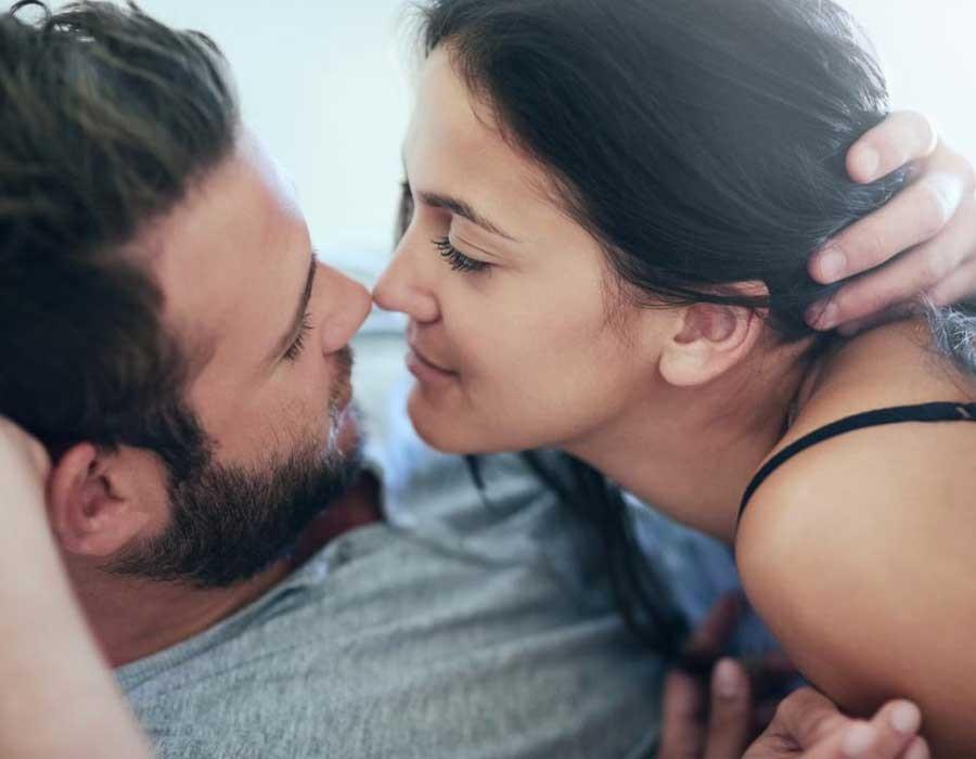 أوضاع جنسية مثيرة لتجديد العلاقة الحميمة بين الزوجين