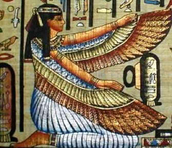 إيزيس الأم الحامية والزوجة المخلصة الأقرب للمصريين