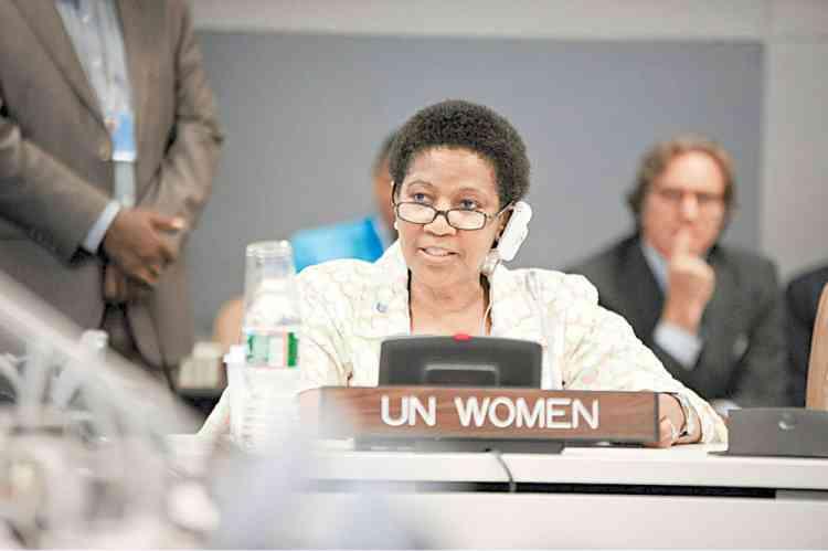 الأمم المتحدة للمرأة: النساء في مواجهة كوفيد-19