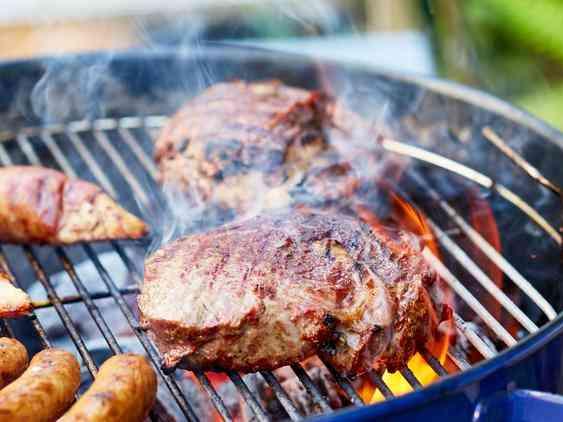 تتبيلة اللحم الضاني المشوي على الفحم