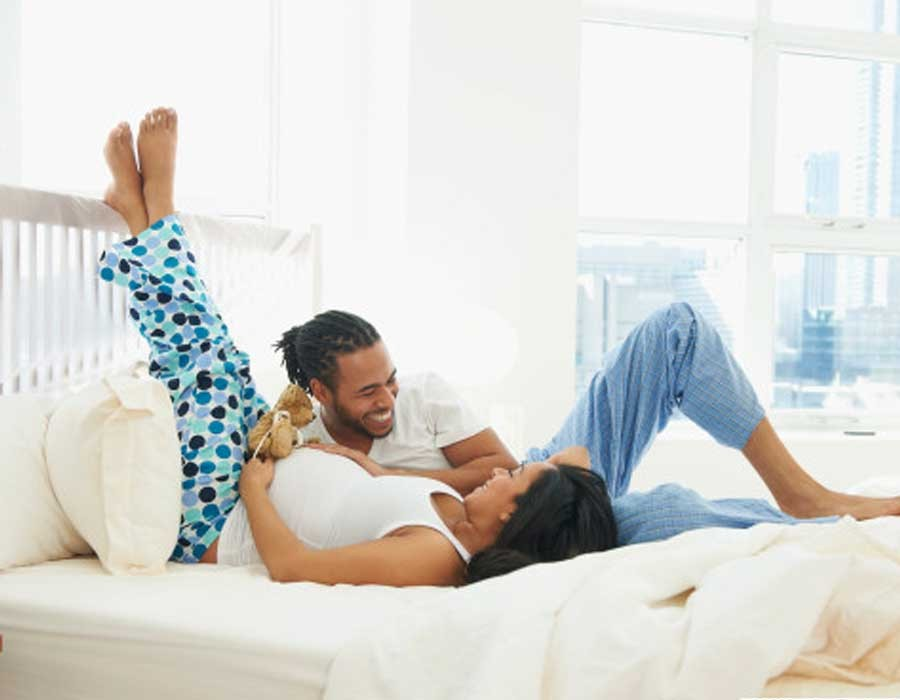 فوائد ممارسة العلاقة الحميمة أثناء الحمل