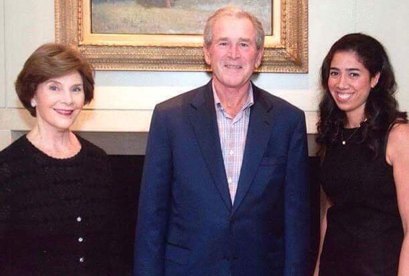 ماريز دوس بصحبة جورج بوش